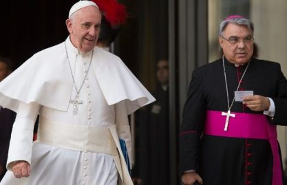 Semeraro: para o Papa os exercícios espirituais são a reforma em andamento