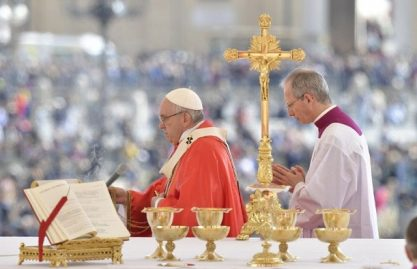 """""""Maria nos ajude a viver bem a Semana Santa"""""""