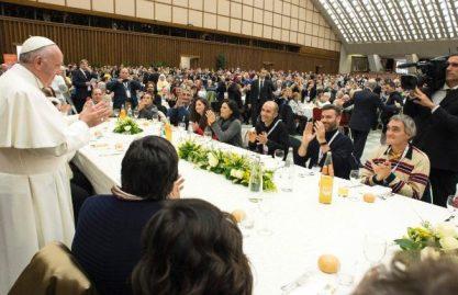 Papa Francisco: 18 de novembro, missa e almoço com 3 mil pobres