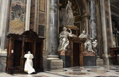 """As """"24 horas para o Senhor"""" em oração pessoal. O convite de Francisco"""