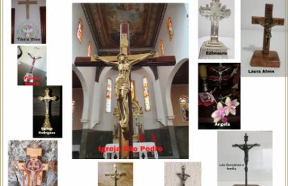 Painel de crucifixos feito pela comunidade São Pedro