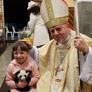 Dom Jorge Pierozan celebrou a Solenidade de Todos os Santos na Paróquia São Pedro